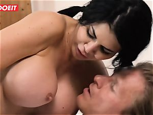 LETSDOEIT - Step daughter-in-law Helps mom spunk noisy
