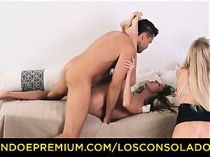 LOS CONSOLADORES - Russian Gina Gerson screwed in FFM