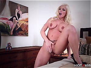 platinum-blonde Britney Amber gets loud when rubbin' her vagina