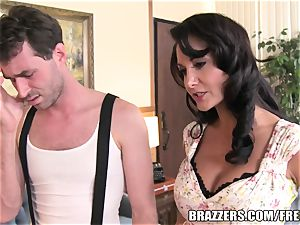 Brazzers - Ava Addams - two thirsty throats on His salami