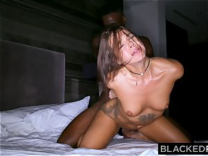 BLACKEDRAW young wifey is now addicted to dark-hued bulls