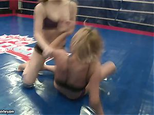 Mandy Dee had a cat fight with a ultra-kinky superslut