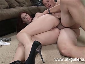 Melody Jordan gets an anal invasion splooge Pie