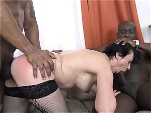 cuckold teaching Wathcing wife have first-ever interracial