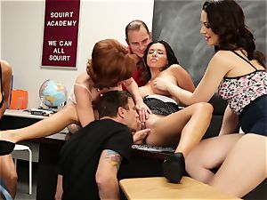 Veronica Avluv flashes sizzling dolls how to spray