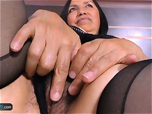 AgedLovE mischievous Mature Latina chick gonzo bang-out