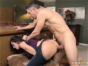 Ariella Ferrera gets forgiven with some anal intercourse