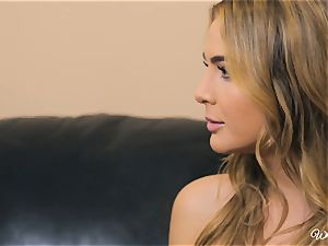 Carter Cruise and Blair Williams enjoy each others super-hot honeypots