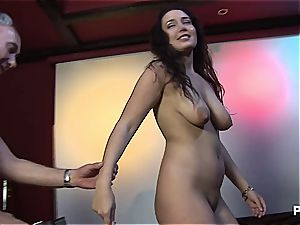 super-cute Melissa enjoys a good group sex