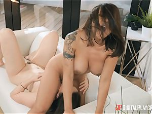 milfs Kaylani Lei and Chanel Preston trib on the bed