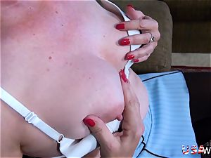 USA wives elderly granny Carmen unshaved vulva fingerblasting