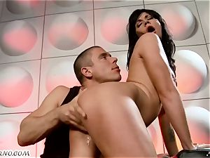 tipsy breezy gets ravaged in nightclub