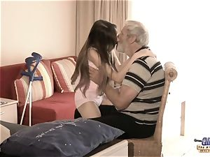 Therapy with senior dick for a sick nubile damsel