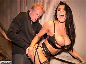 Romi Rain - amazing steamy amateur porn in the street
