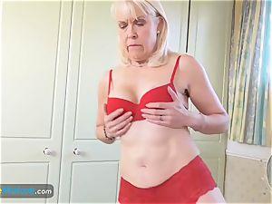 EuropeMaturE damsel Sextasy flashing Off Alone