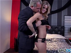 Jessa Rhodes jummy cock-squeezing poon is boned by a enormous boner