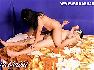 Mona Bhabhi Getting Seduced By Her spouse Indian style