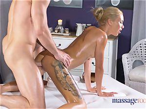 massage rooms molten thin blondie gives pov blow-job