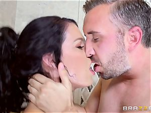 mind-blowing Peta Jensen getting dicked in the shower