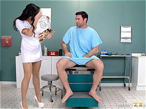 nuts busting nurse Karlee Grey drains cock with ease